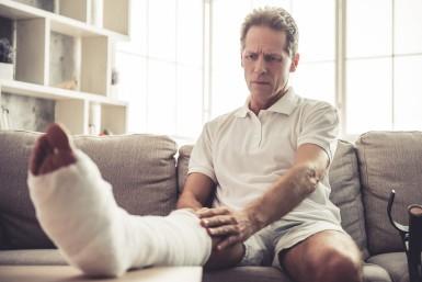 Jak starać się o odszkodowanie po wypadku w domu?