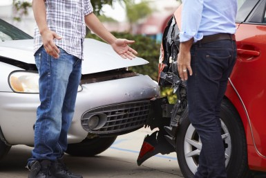 Zgłoszenie szkody z oc na miejscu wypadku - krok po kroku